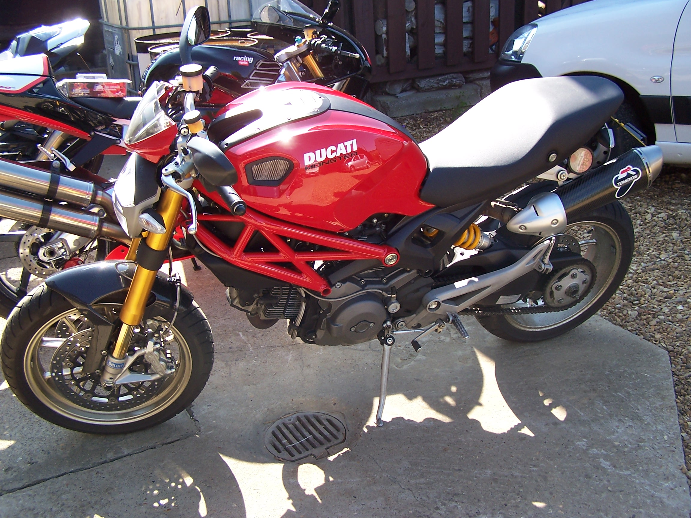 Ducati Monster 1100 S 2010 images #79346