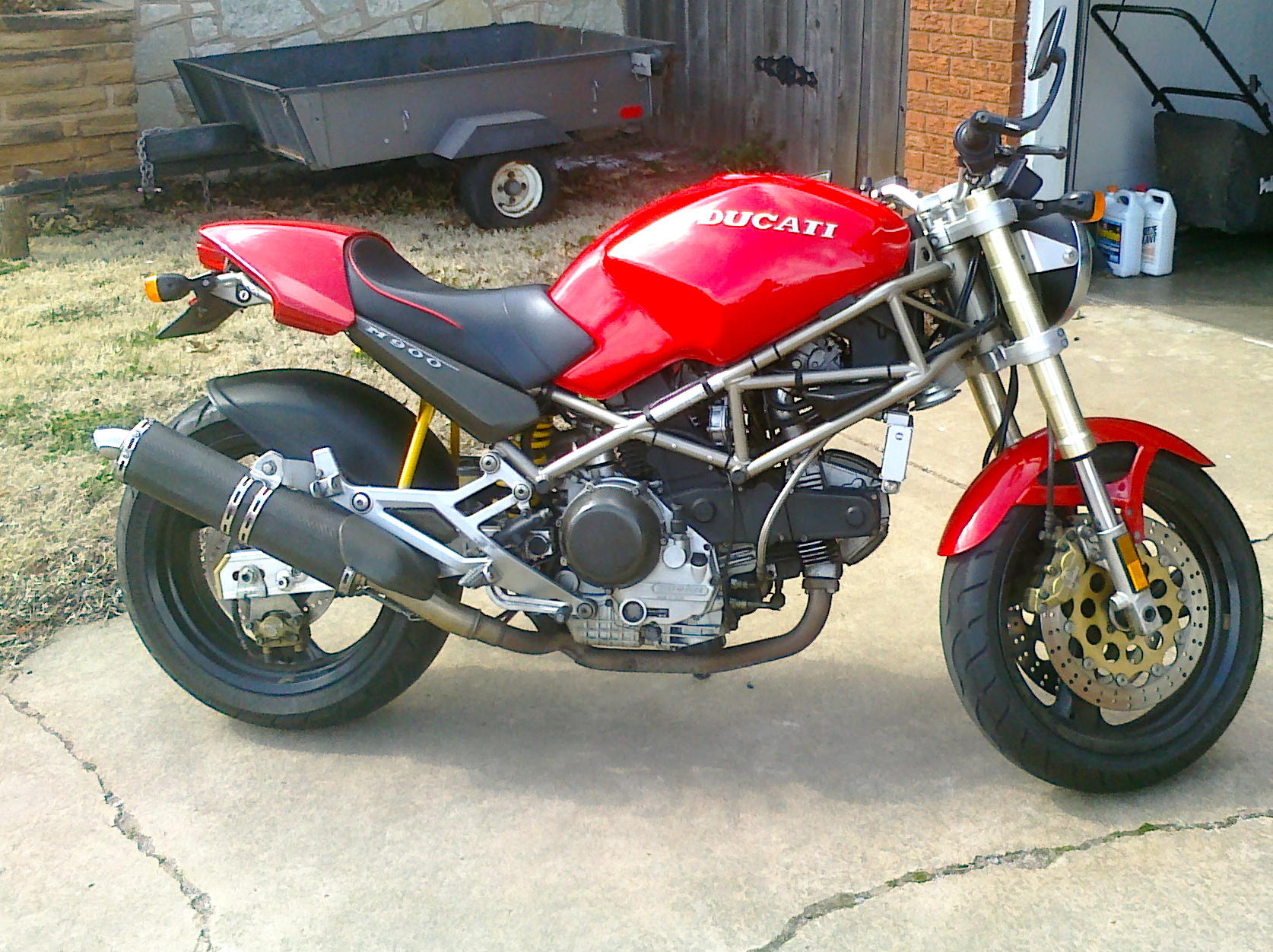 1997 ducati monster 750 pics specs and information. Black Bedroom Furniture Sets. Home Design Ideas