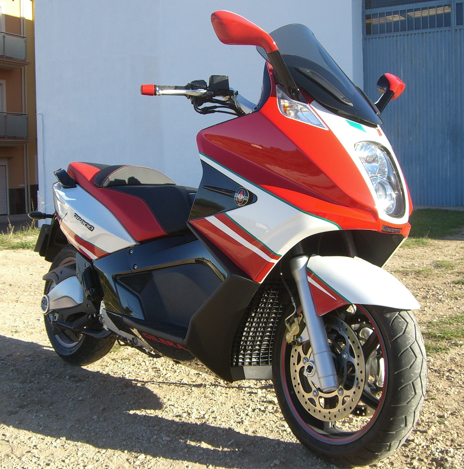 2009 gilera gp 800 pics specs and information. Black Bedroom Furniture Sets. Home Design Ideas