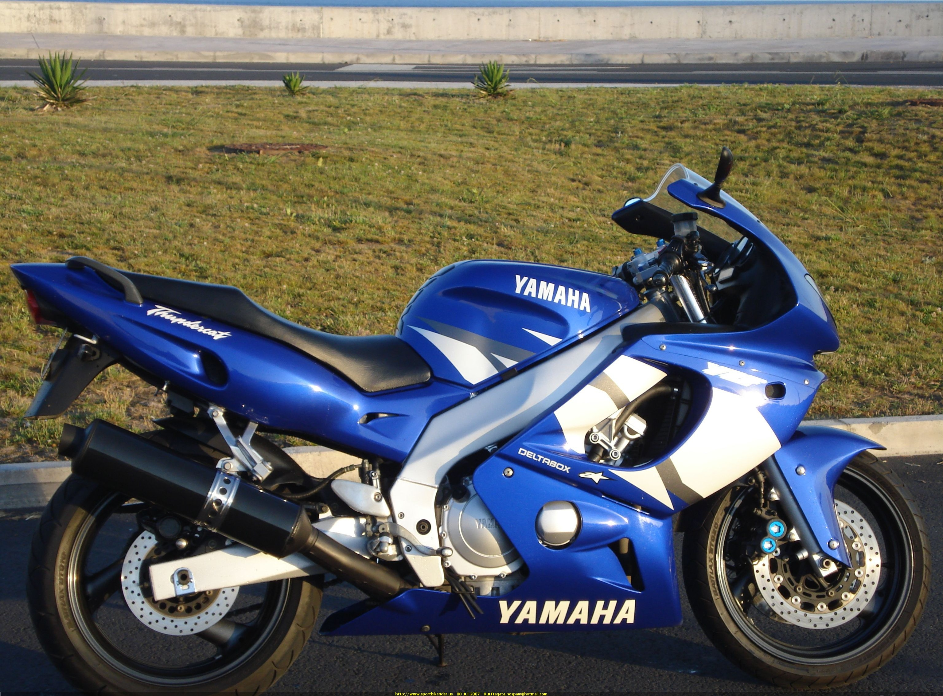 2003 yamaha yzf 600 r pics specs and information for 2003 yamaha yzf600r