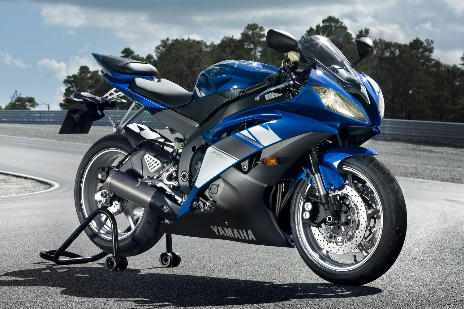 2009 yamaha yzf r6 pics specs and information. Black Bedroom Furniture Sets. Home Design Ideas