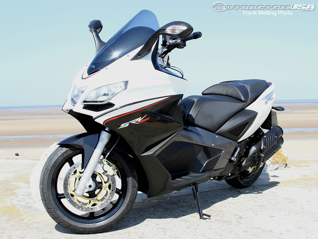aprilia srv 850 pics specs and list of seriess by year. Black Bedroom Furniture Sets. Home Design Ideas