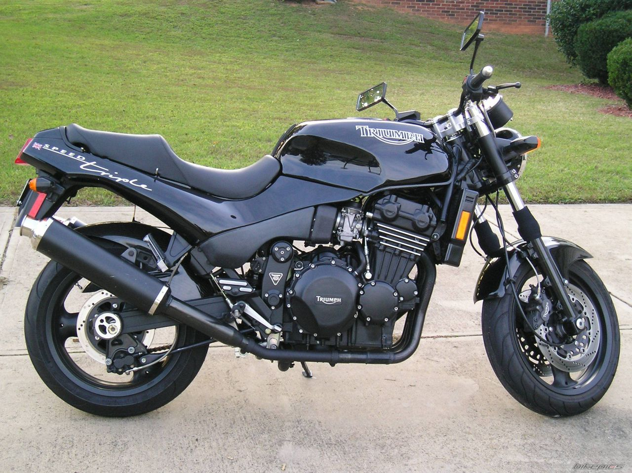 Triumph Speed Triple 900 1996 images #159236