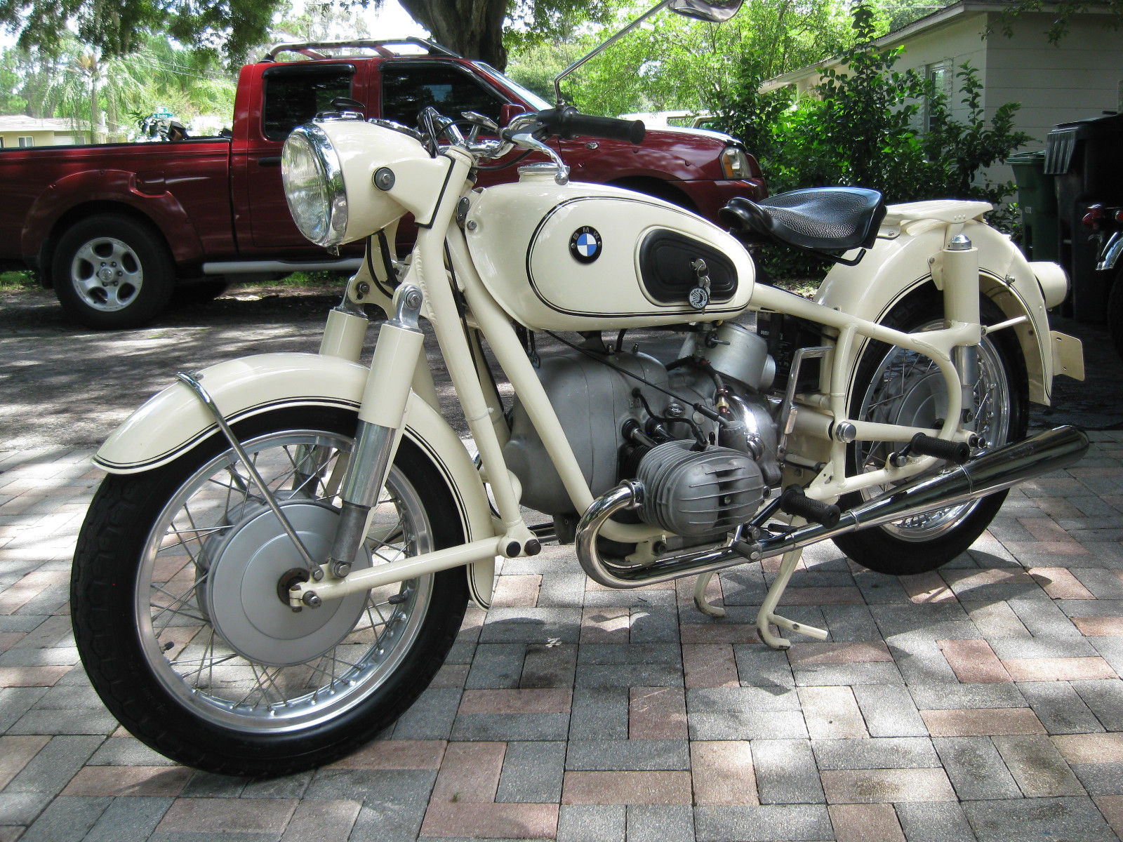 1968 bmw r50 2 pics specs and information. Black Bedroom Furniture Sets. Home Design Ideas