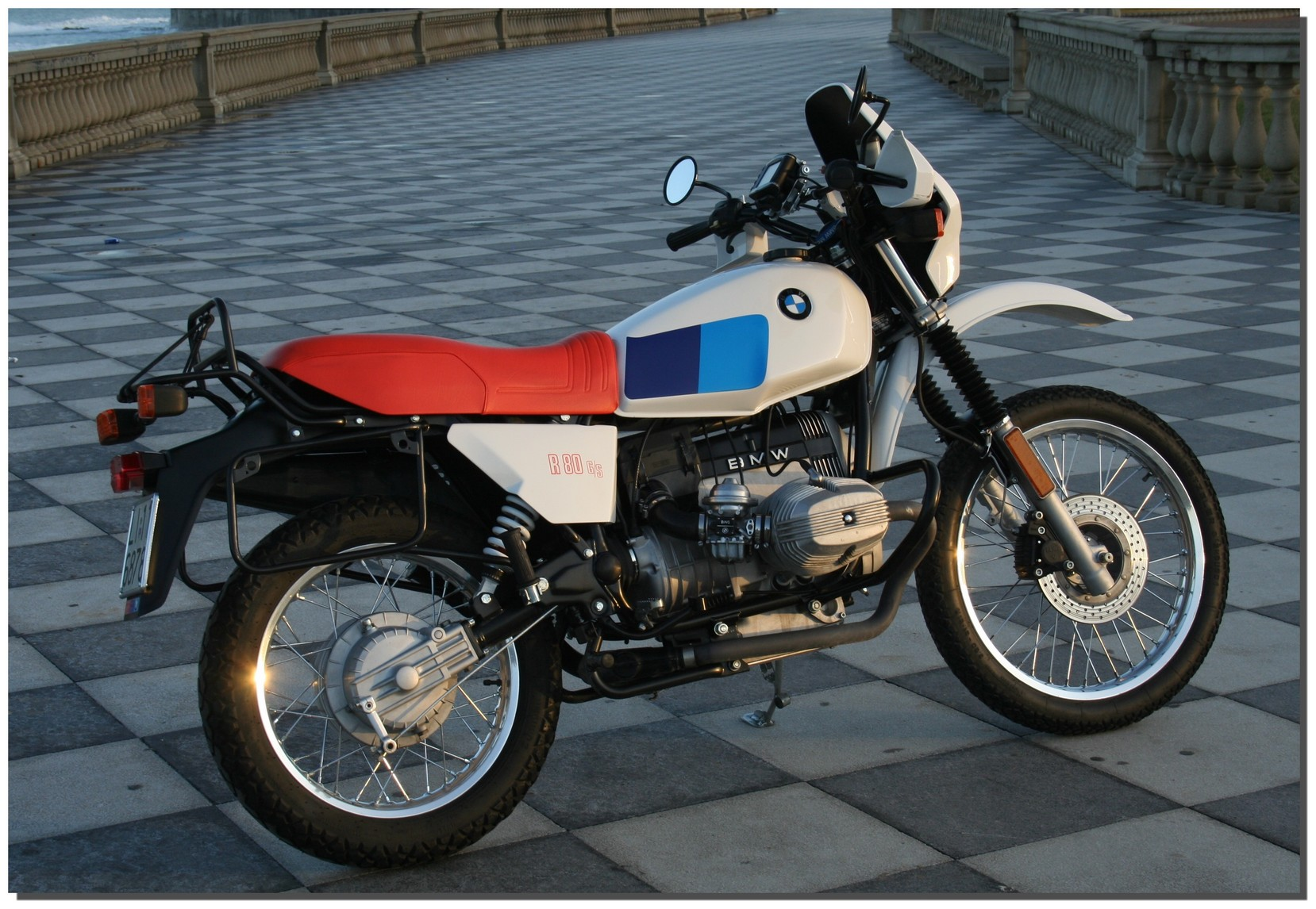 1983 bmw r80 g s pics specs and information. Black Bedroom Furniture Sets. Home Design Ideas