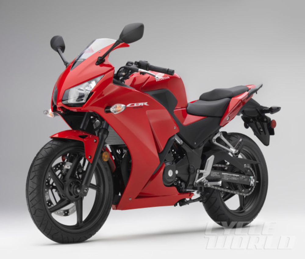 Honda CBR 300 R: pics, specs and list of seriess by year ...