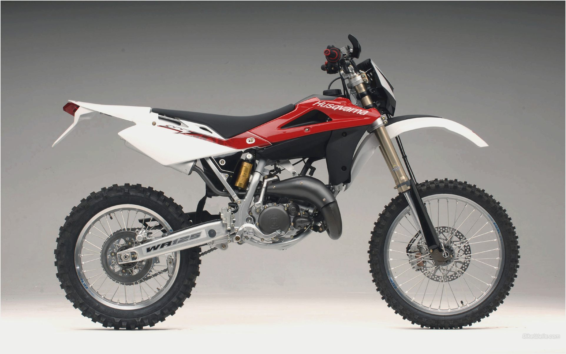2010 husqvarna wr 125 pics specs and information. Black Bedroom Furniture Sets. Home Design Ideas