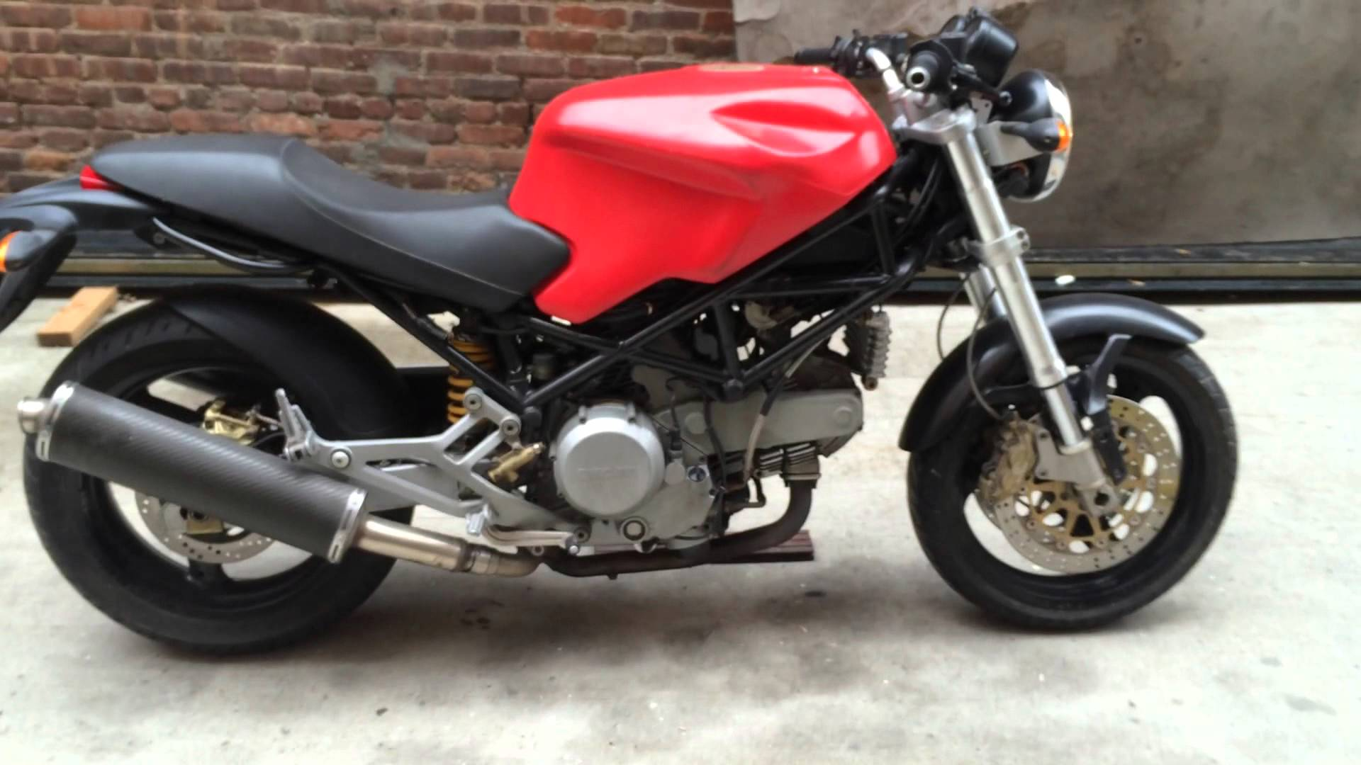 Ducati Monster 750 2002 wallpapers #11939