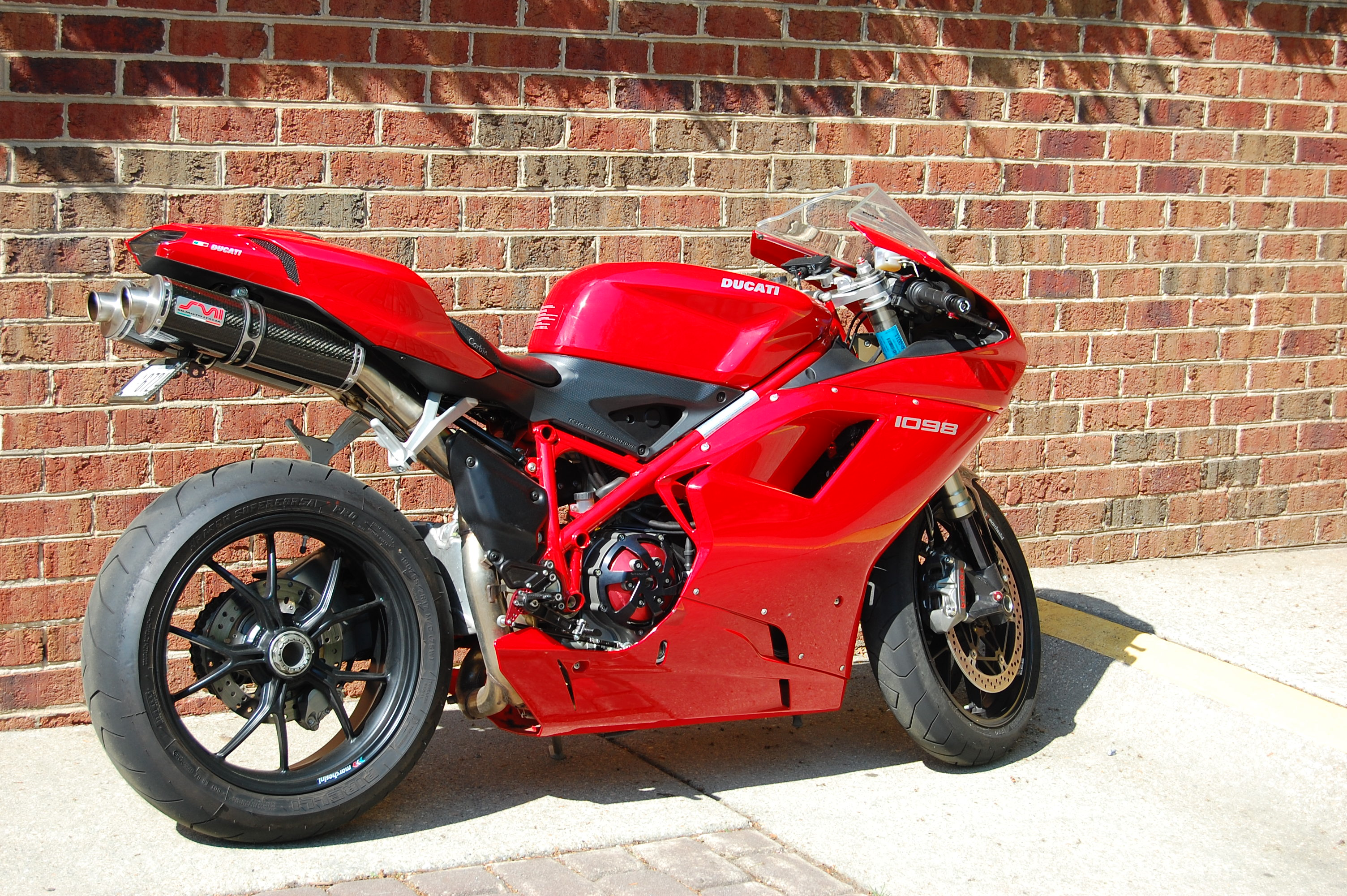 Ducati Superbike 1098 R Bayliss Limited Edition 2009 wallpapers #12435