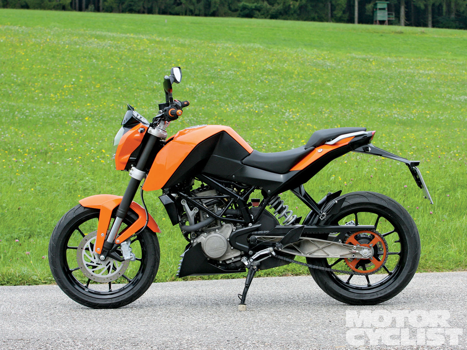ktm 125 duke pics specs and list of seriess by year. Black Bedroom Furniture Sets. Home Design Ideas