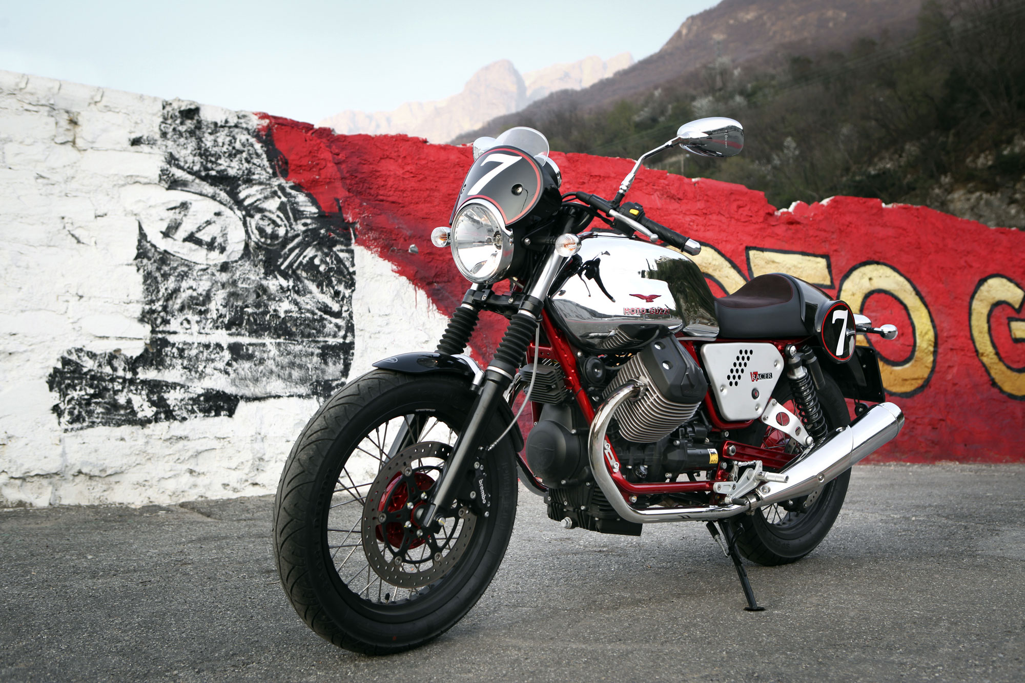 Moto Guzzi V7 Racer 2013 wallpapers #139601