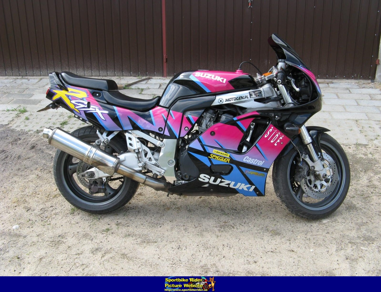 1992 suzuki gsx r 750 pics specs and information. Black Bedroom Furniture Sets. Home Design Ideas