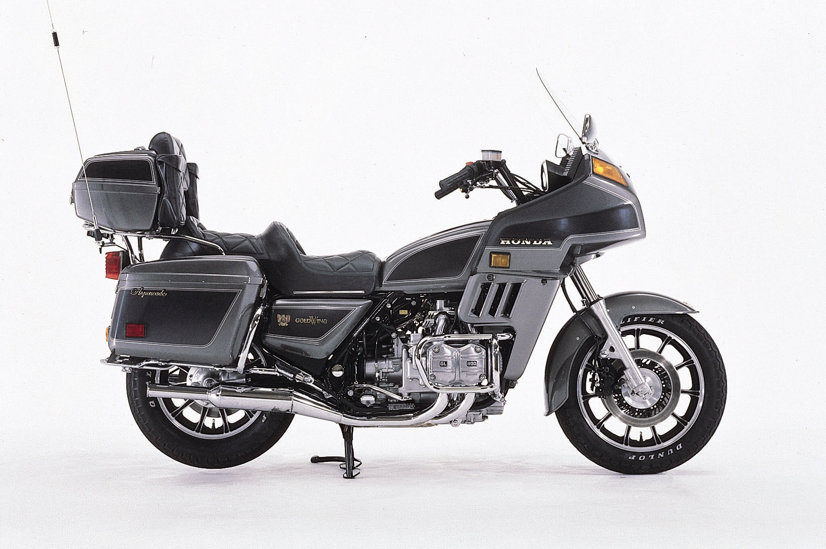 Honda GL 1100 Gold Wing 1982 images #81235