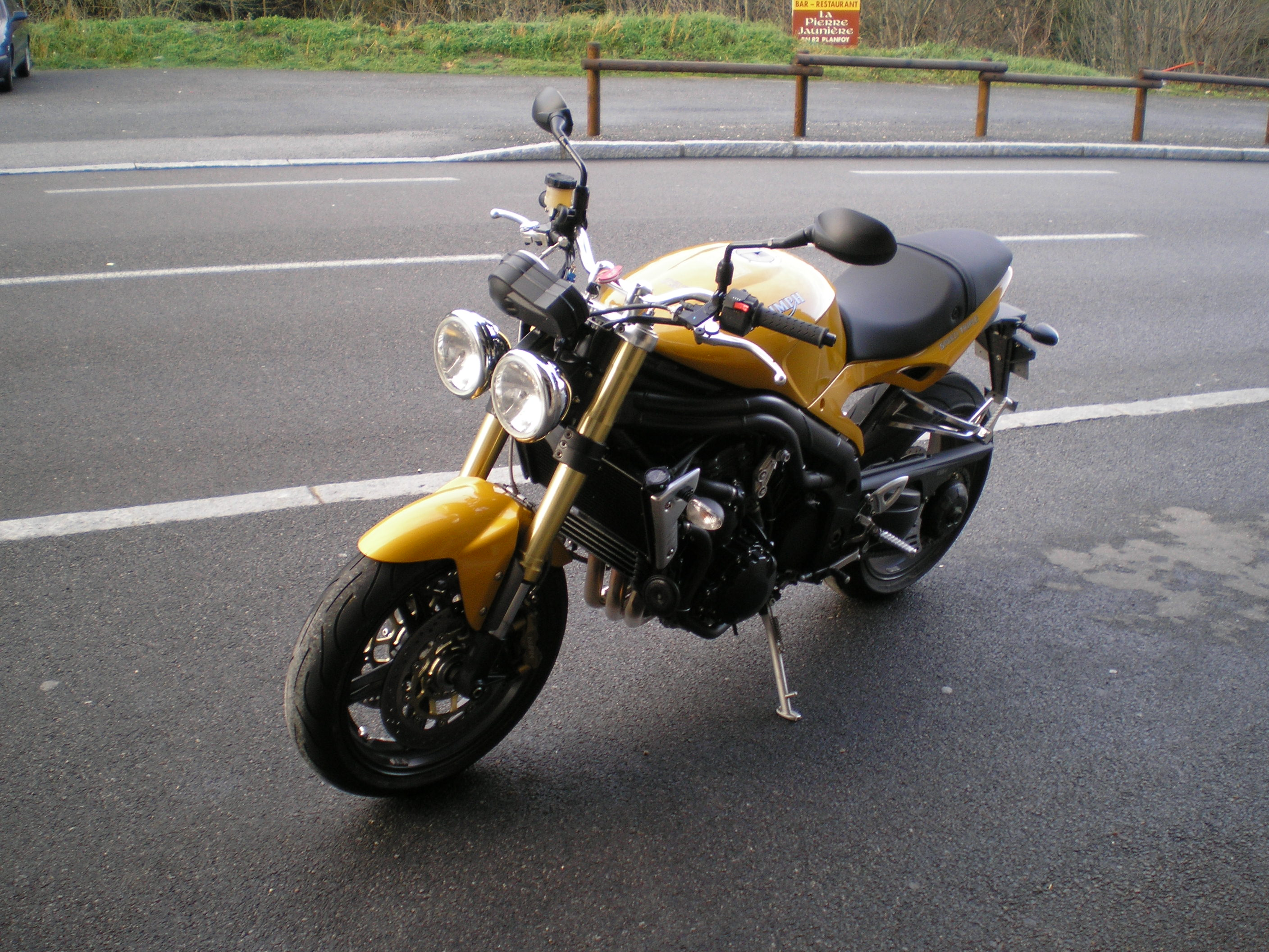 Triumph Speed Triple 1050 2007 images #125849