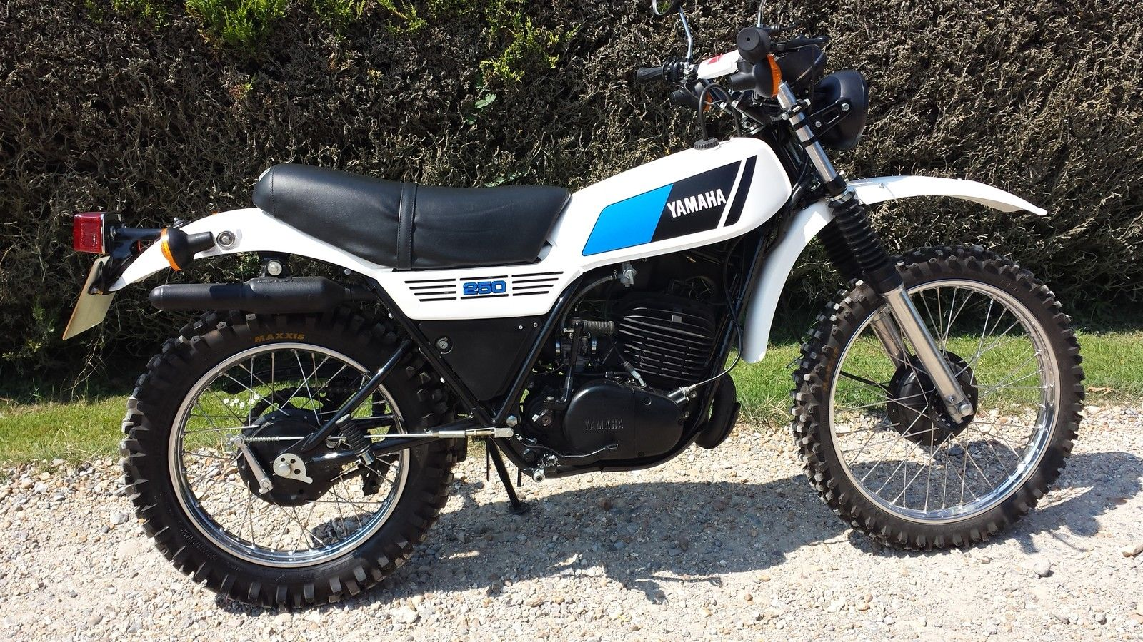 Yamaha dt 250 mx pics specs and list of seriess by year for Yamaha mx 80 for sale