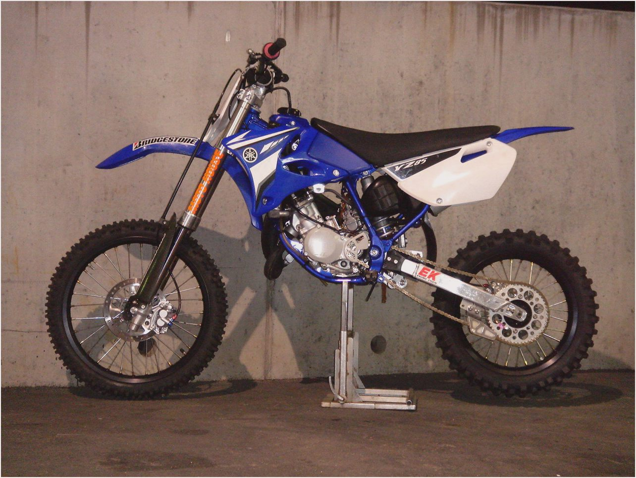 2010 yamaha yz 85 pics specs and information. Black Bedroom Furniture Sets. Home Design Ideas