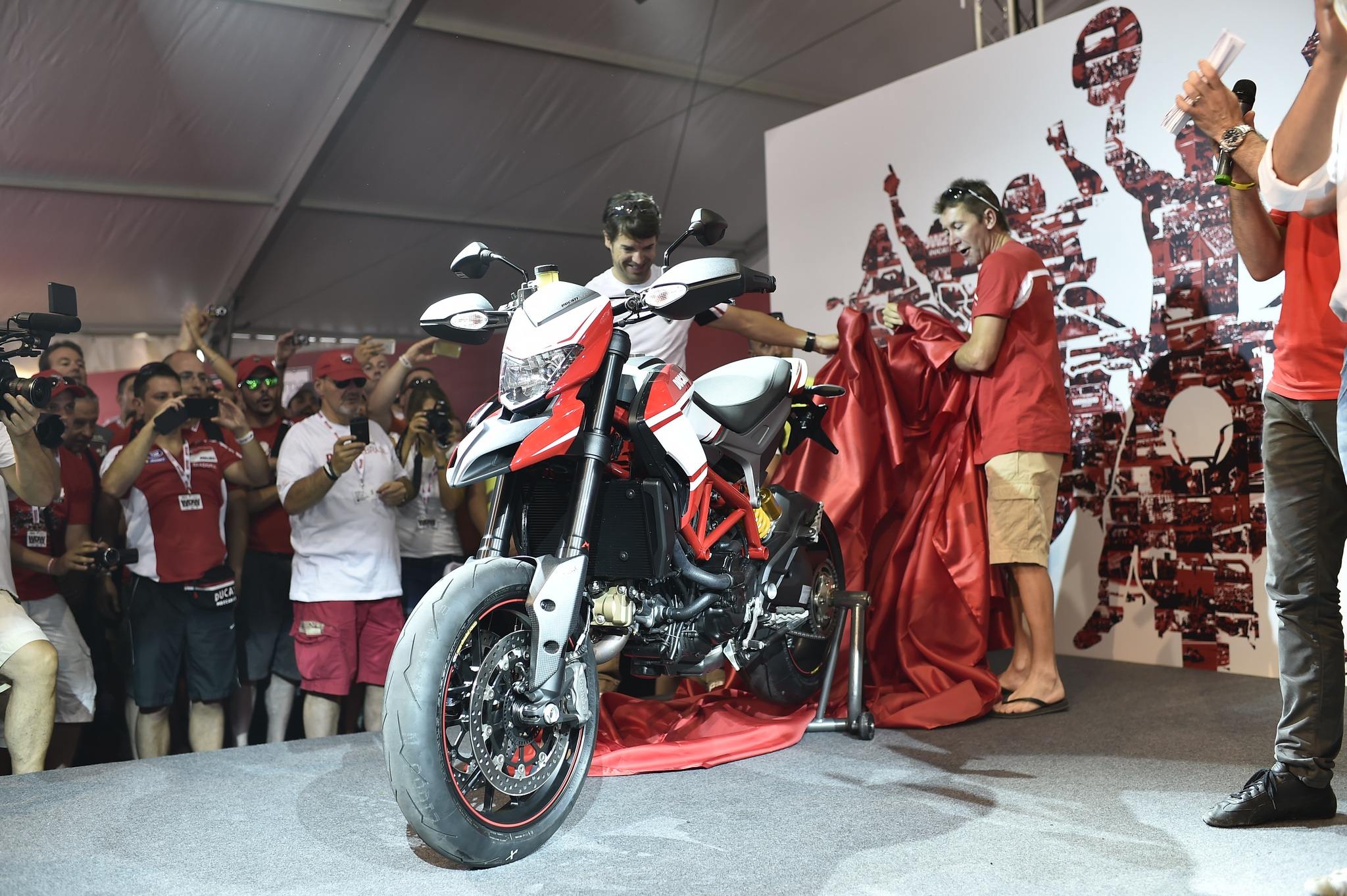 Ducati Hypermotard SP images #79650