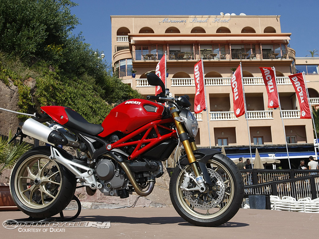 Ducati Monster 1100 S 2010 images #79352