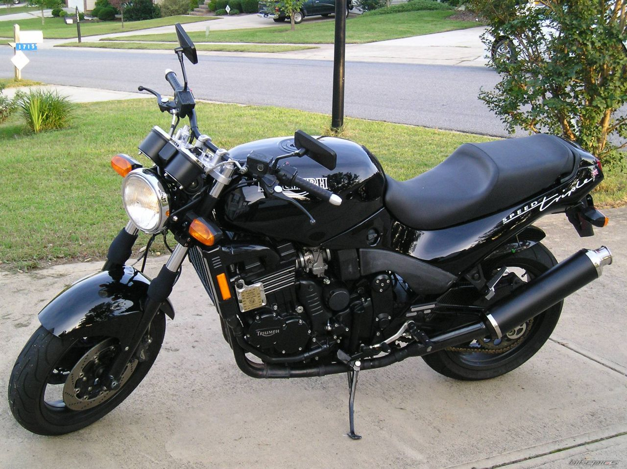 Triumph Speed Triple 900 1996 images #159242