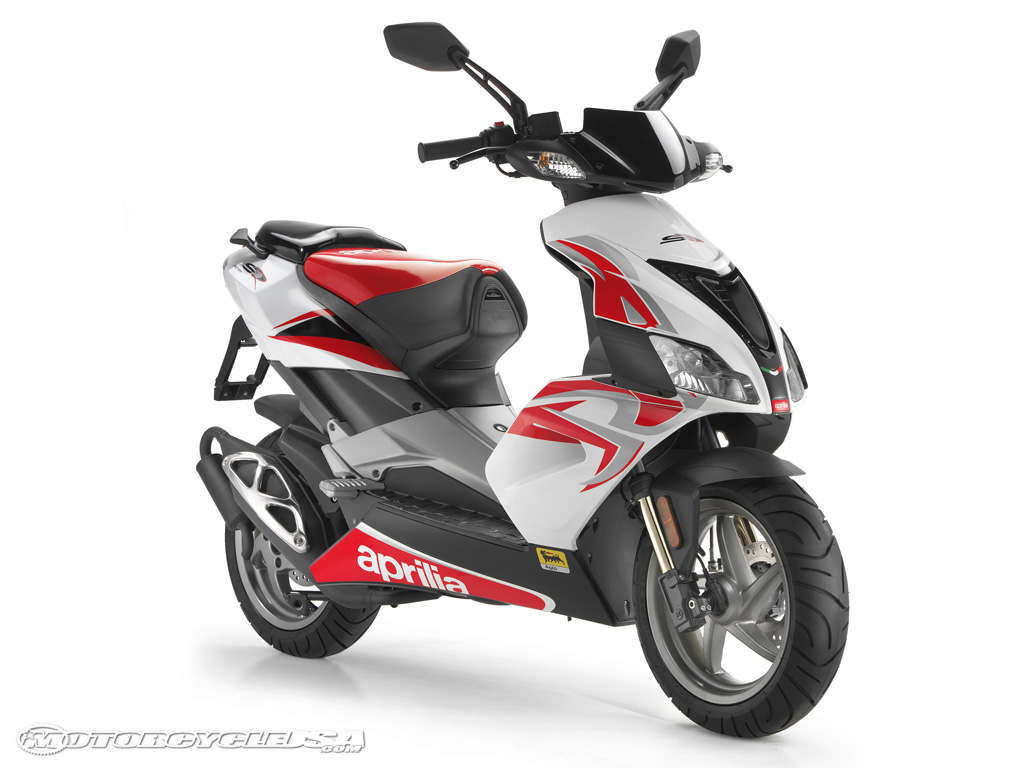 2015 aprilia sr 50 r pics specs and information. Black Bedroom Furniture Sets. Home Design Ideas