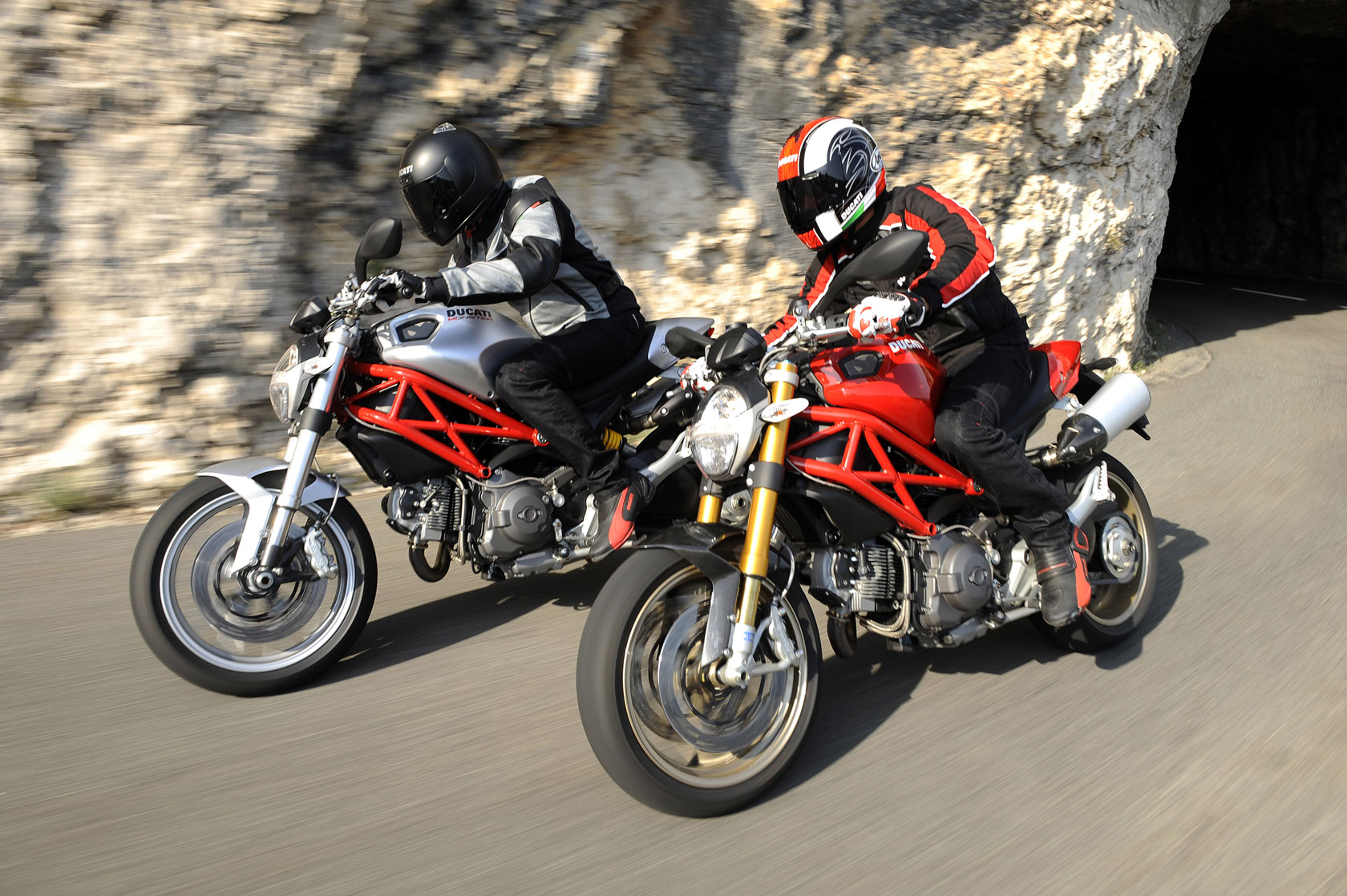 Ducati Monster 1100 S images #79353