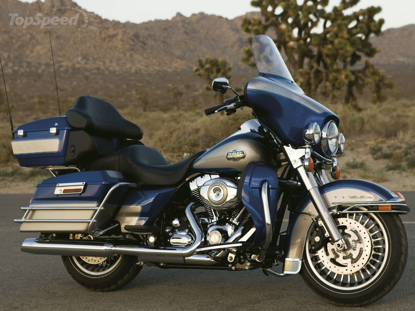 Harley-Davidson FLHTC Electra Glide Classic 2013 pics #19890