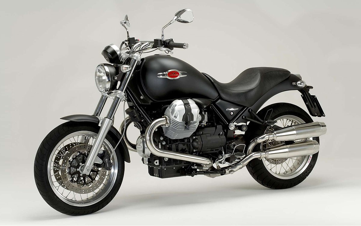 2013 moto guzzi bellagio aquila nera pics specs and. Black Bedroom Furniture Sets. Home Design Ideas