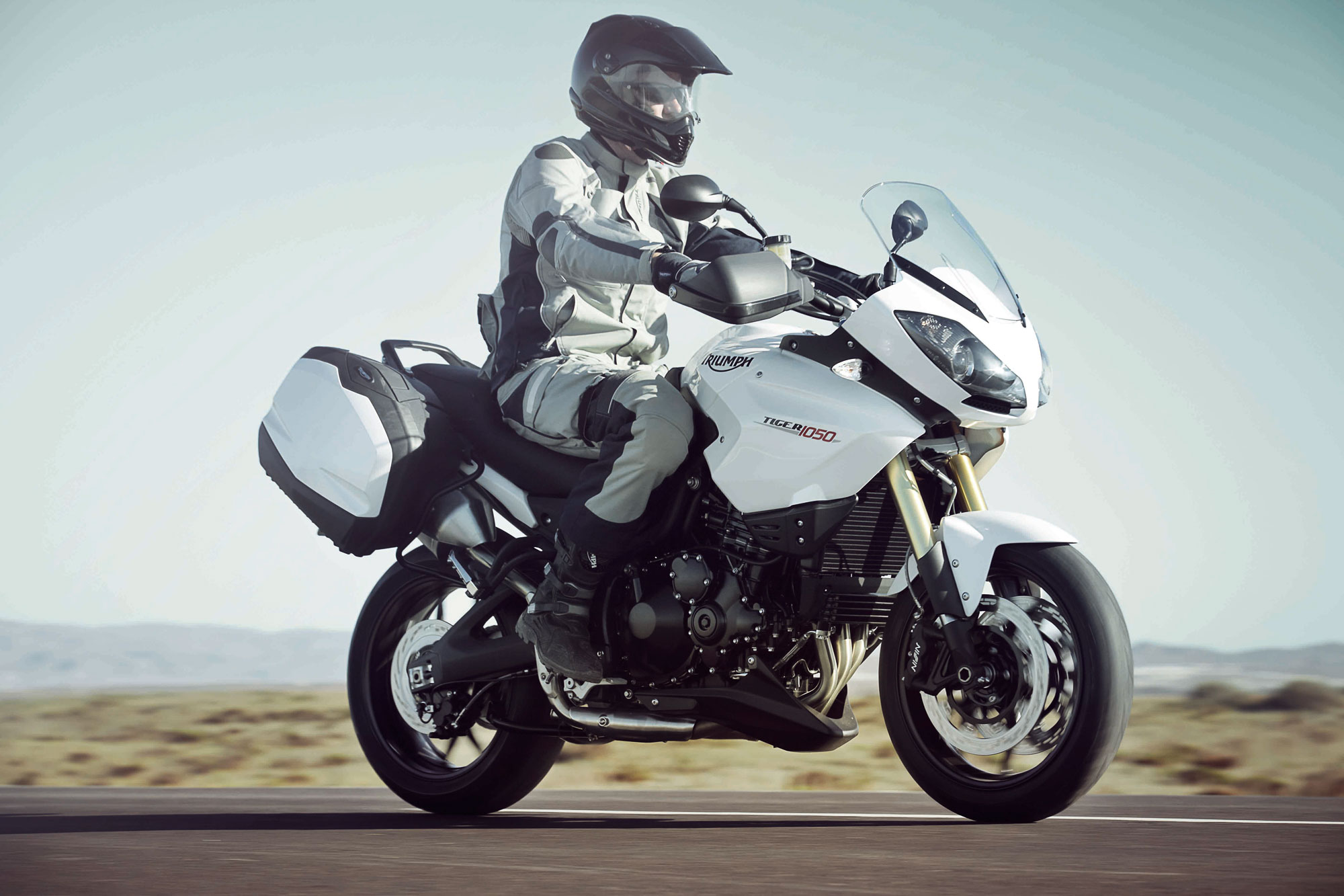 Triumph Tiger Special Edition 2010 images #126649