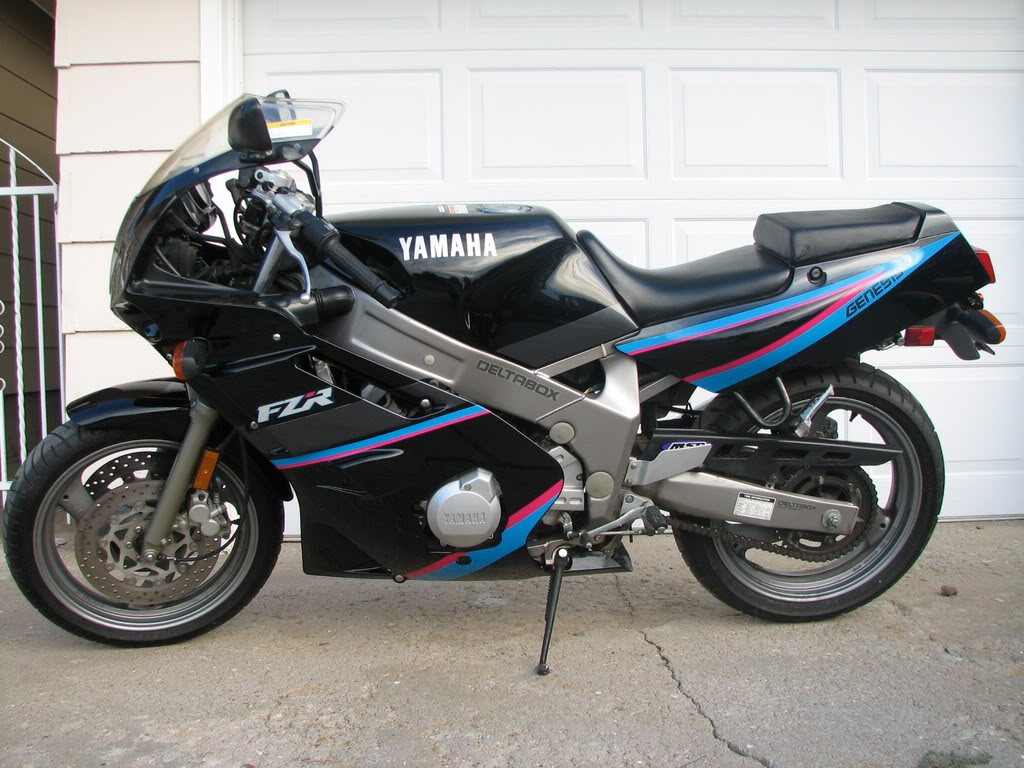 1992 yamaha fzr 600 r pics specs and information. Black Bedroom Furniture Sets. Home Design Ideas