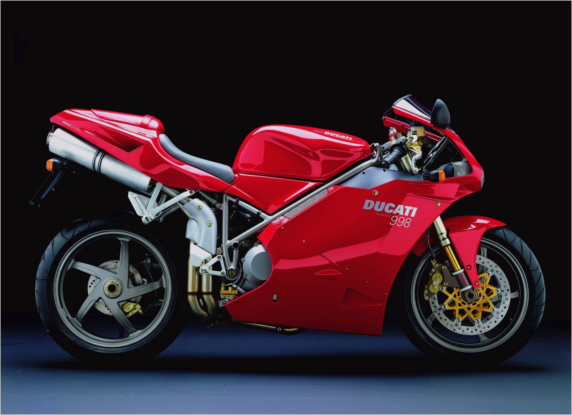 1995 ducati 748 biposto pics specs and information. Black Bedroom Furniture Sets. Home Design Ideas