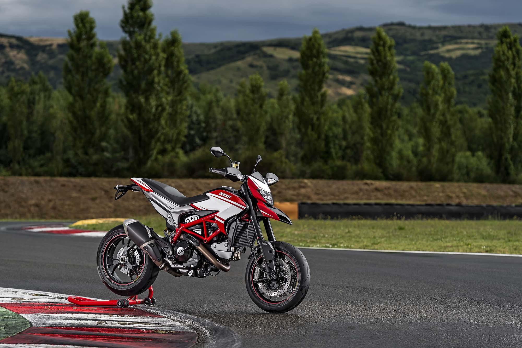 Ducati Hypermotard SP images #79654