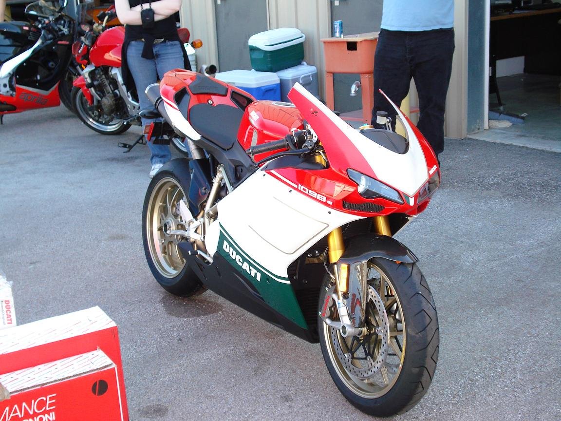 Ducati Superbike 1098 S Tricolore 2007 wallpapers #12046