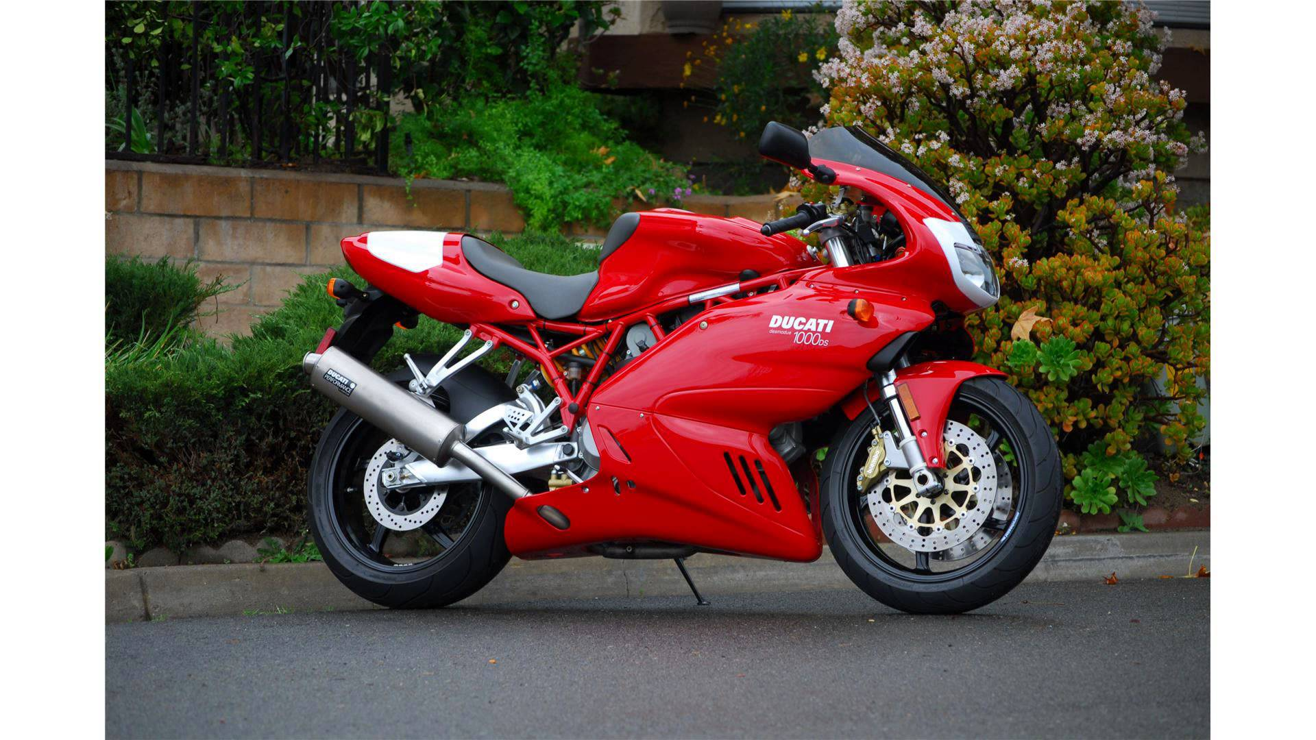 Ducati 800 Sport 2004 wallpapers #17514