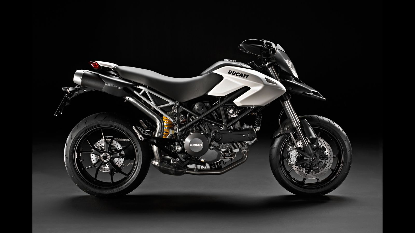 Ducati Hyperstrada 2013 wallpapers #13339