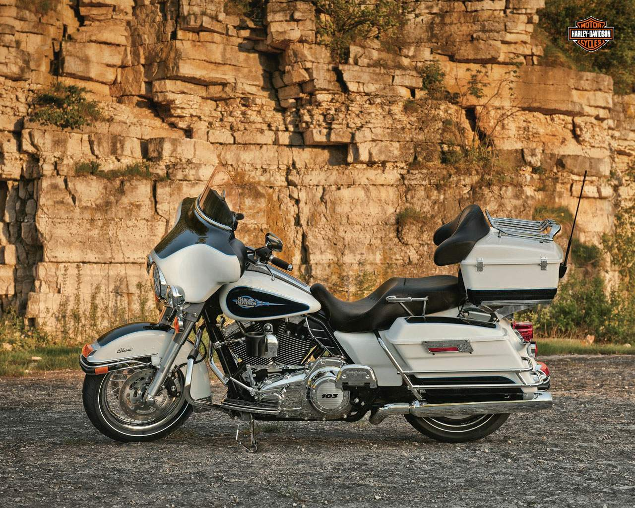 Harley-Davidson FLHTC Electra Glide Classic 2013 pics #19894
