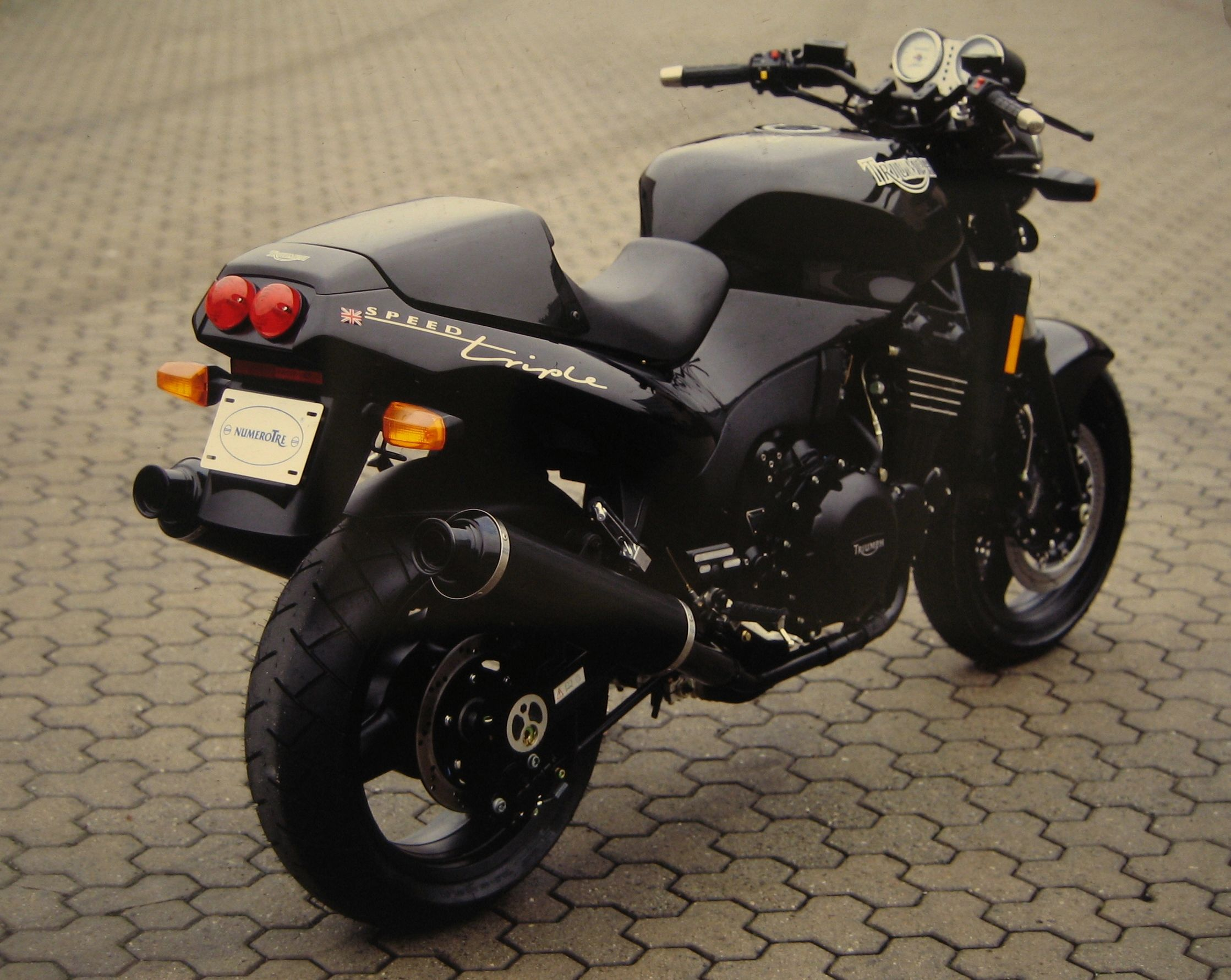 Triumph Speed Triple 900 1996 images #159247
