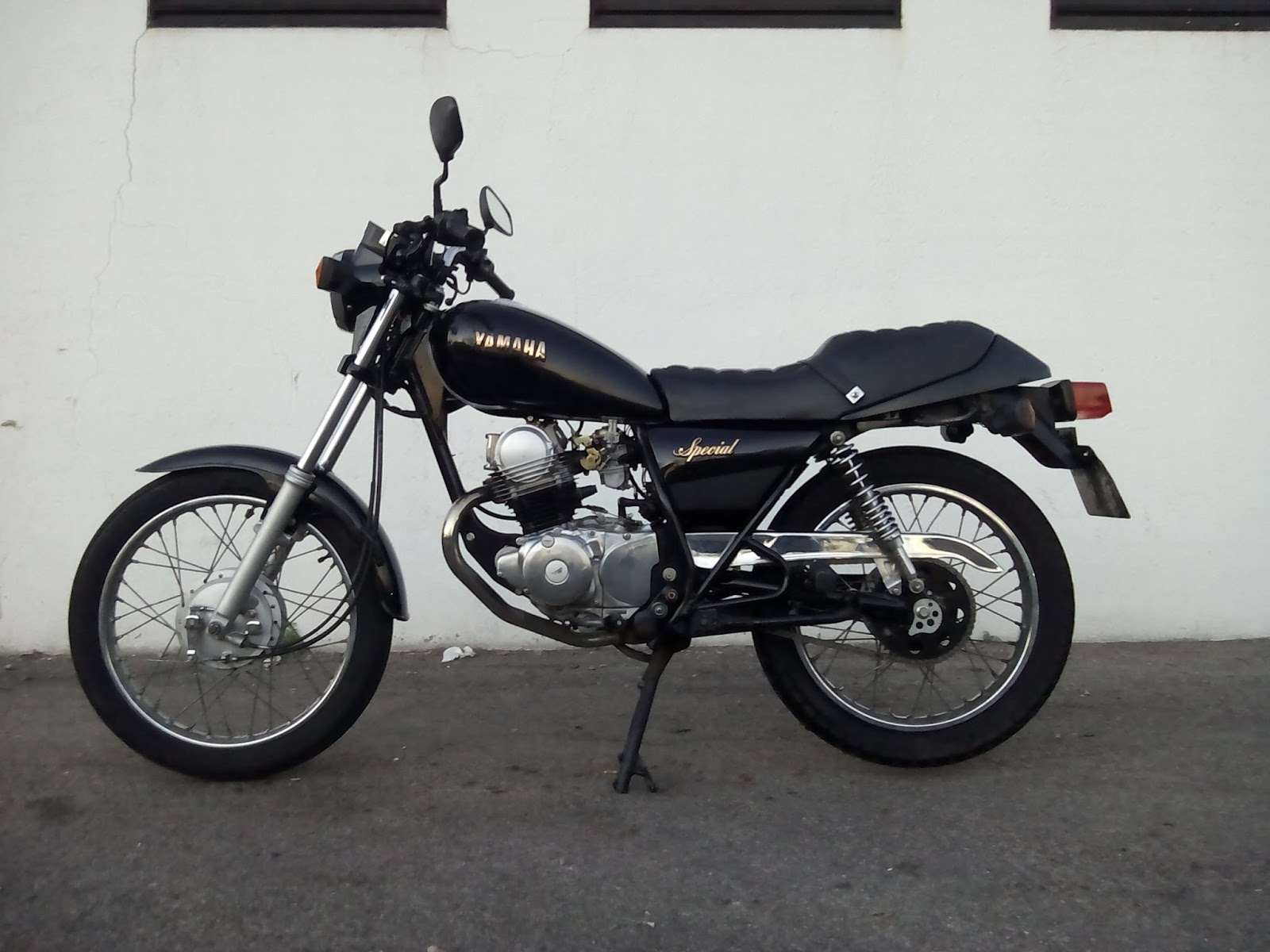 1991 yamaha sr 125 pics specs and information. Black Bedroom Furniture Sets. Home Design Ideas