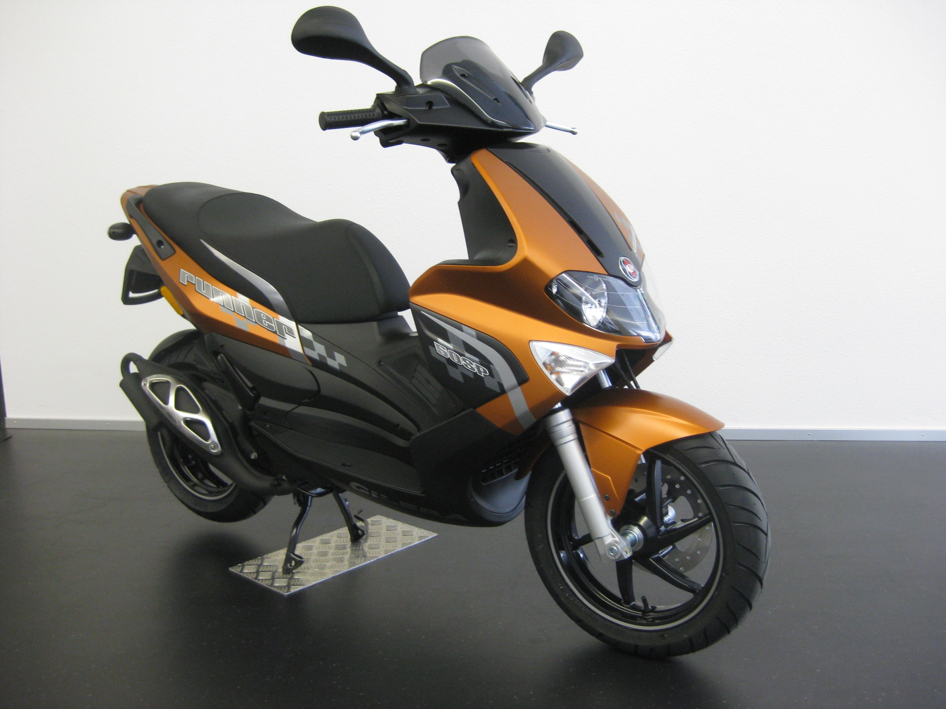 Gilera Runner 50 Black Soul 2015 images #76481
