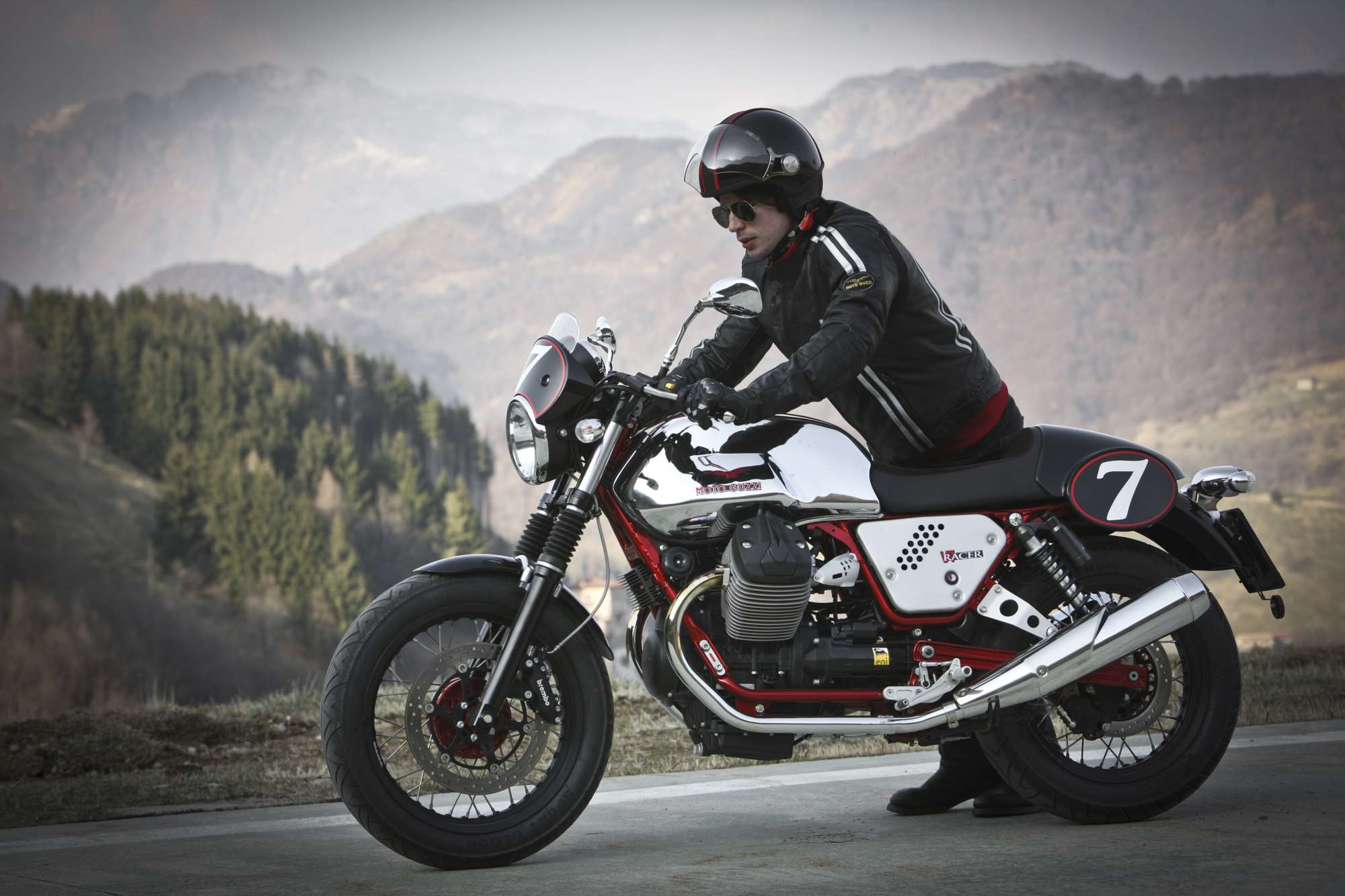 Moto Guzzi V7 Racer: Pics, Specs And List Of Seriess By