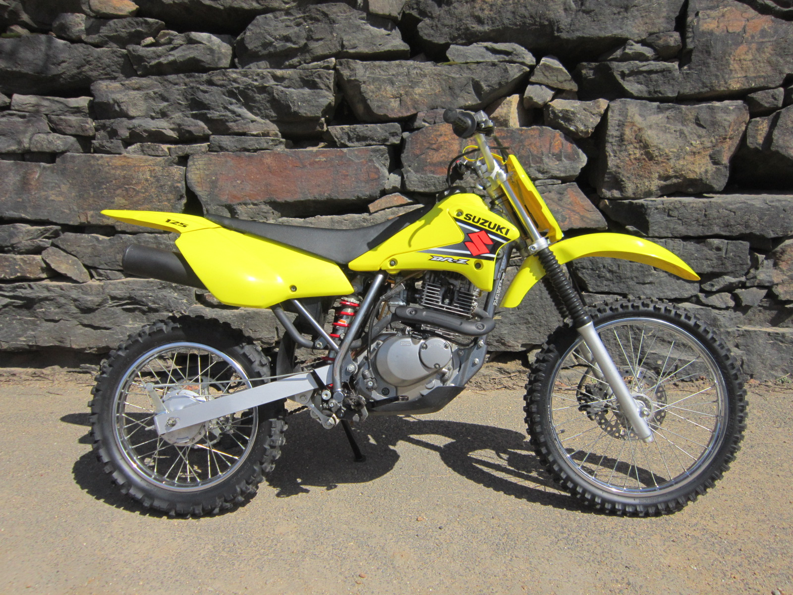 2003 suzuki dr z 125 l pics specs and information. Black Bedroom Furniture Sets. Home Design Ideas