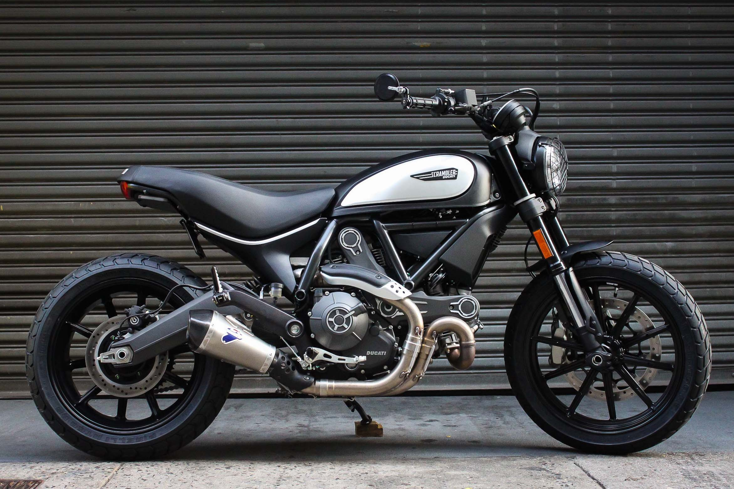 ducati scrambler full throttle pics specs and list of seriess by year. Black Bedroom Furniture Sets. Home Design Ideas