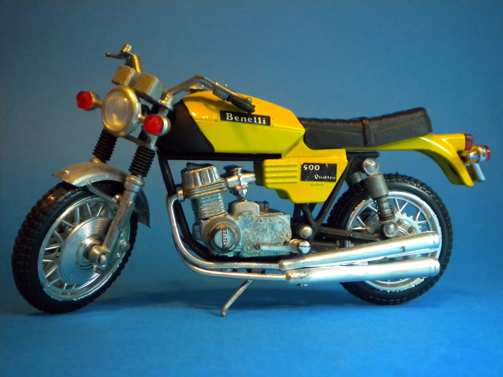 Benelli 500 Ouattro 1974 images #76085
