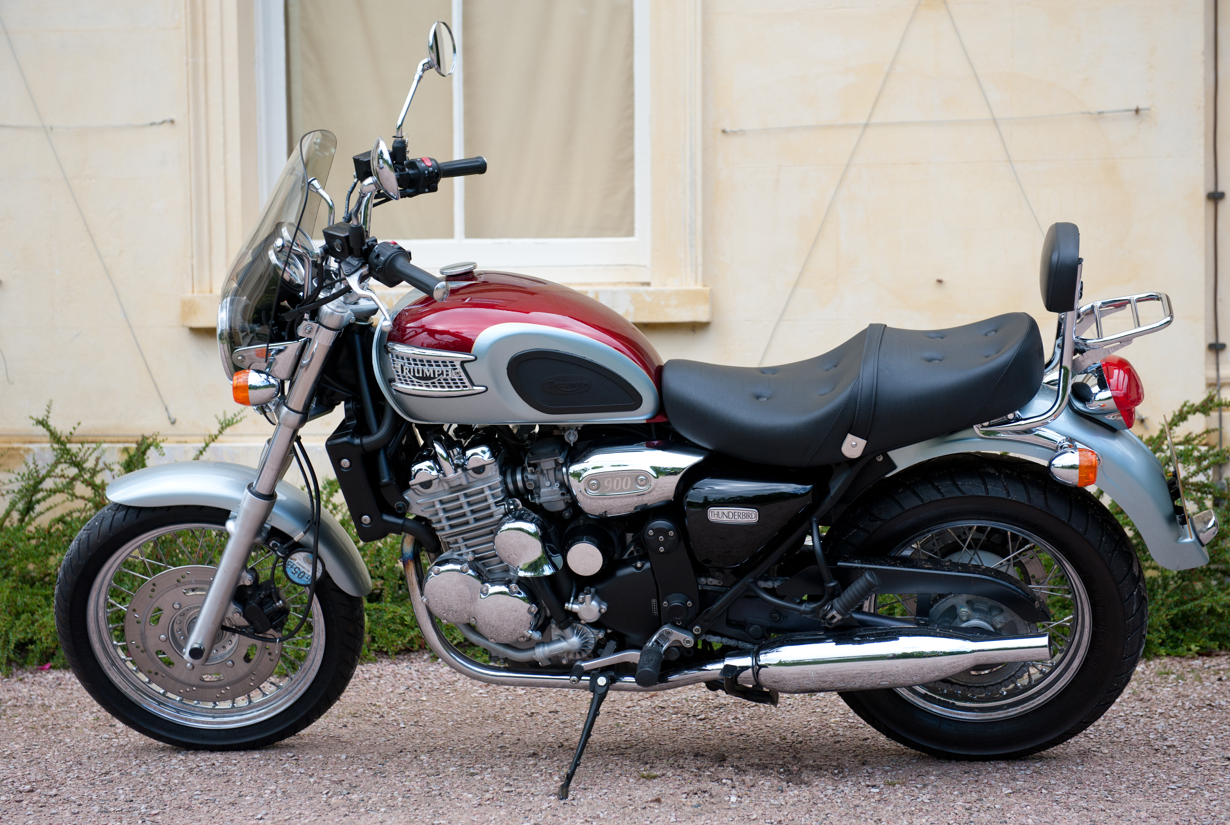 Triumph Thunderbird 900 Adventurer 1995 images #164995