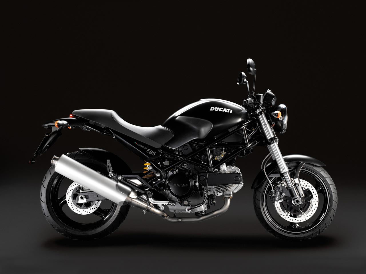 Ducati M 750 Dark wallpapers #12746