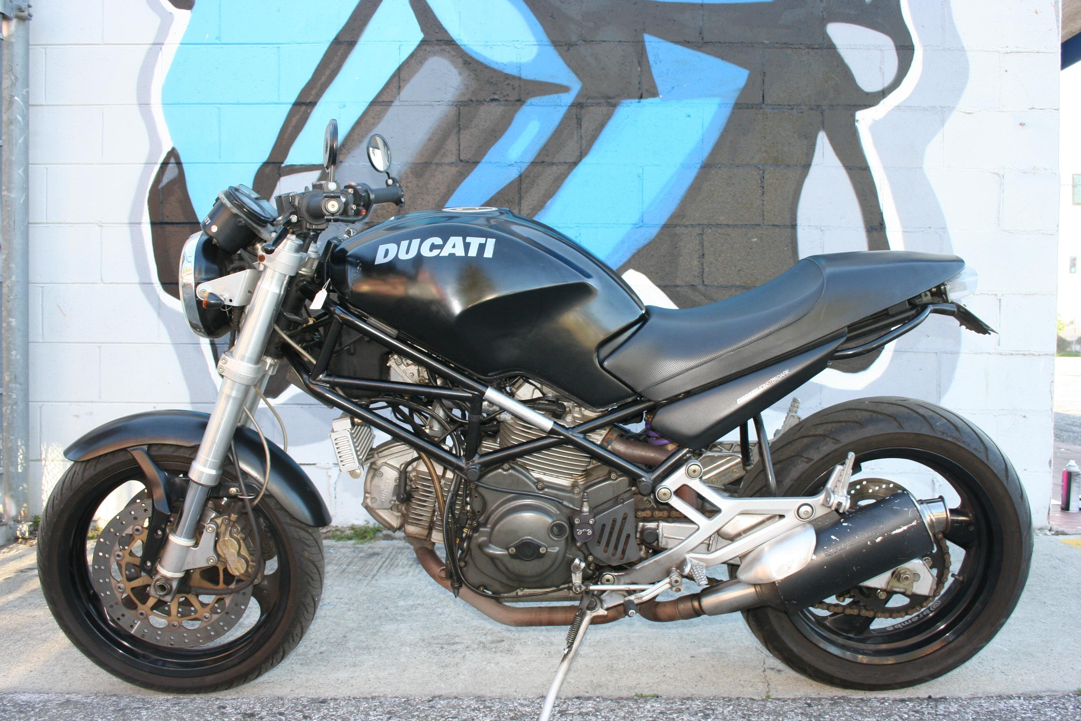 ducati monster 750 pics specs and list of seriess by year. Black Bedroom Furniture Sets. Home Design Ideas