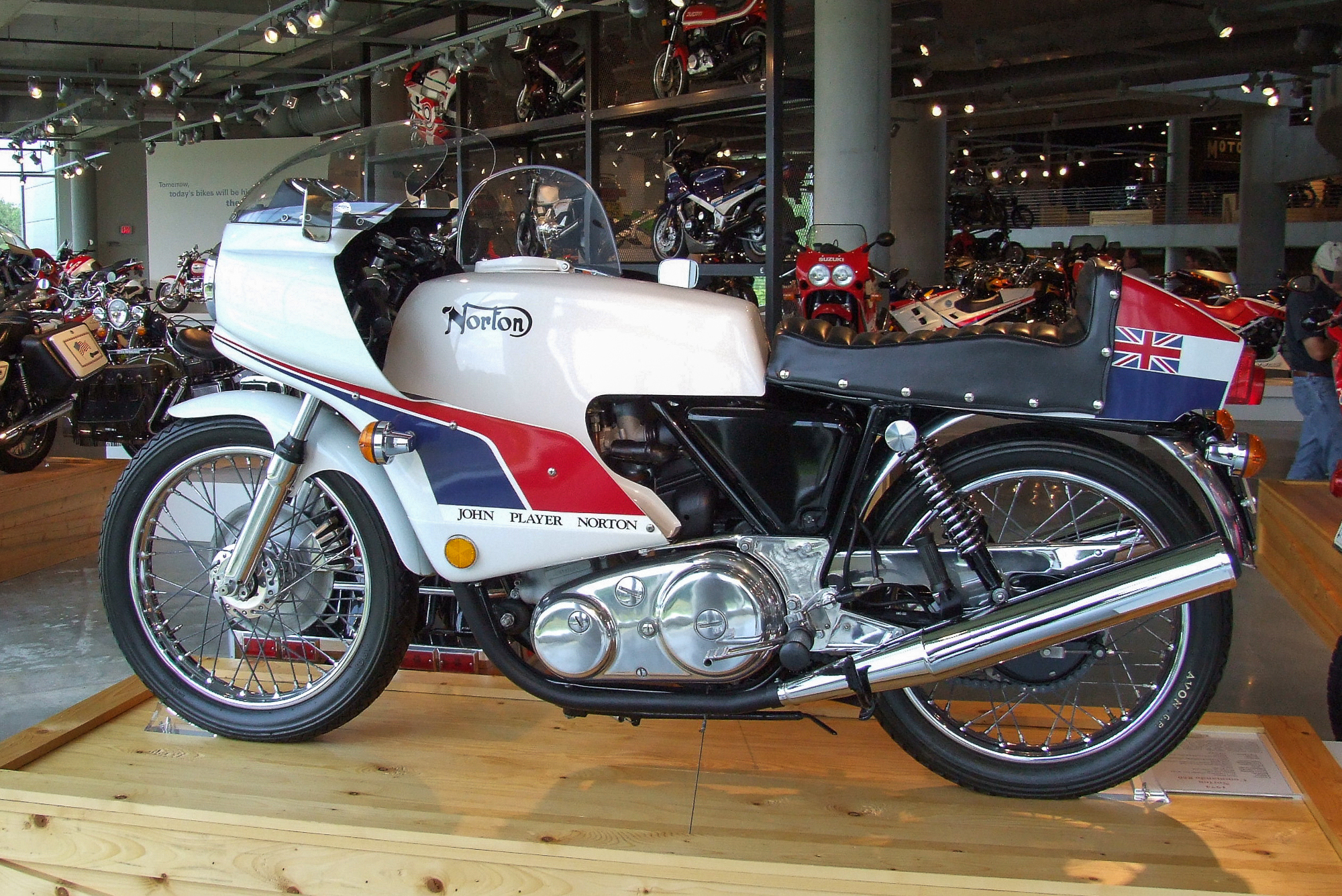 Norton Cafe Racer 750 2004 images #118164