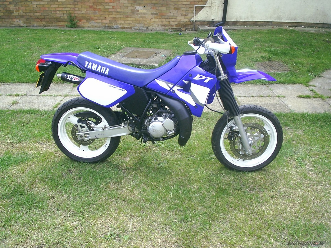 1990 yamaha dt 125 r pics specs and information. Black Bedroom Furniture Sets. Home Design Ideas