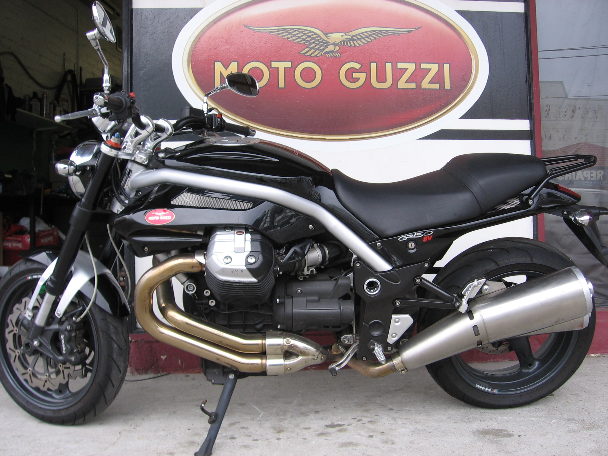 moto guzzi griso 1200 8v pics specs and list of seriess by year. Black Bedroom Furniture Sets. Home Design Ideas