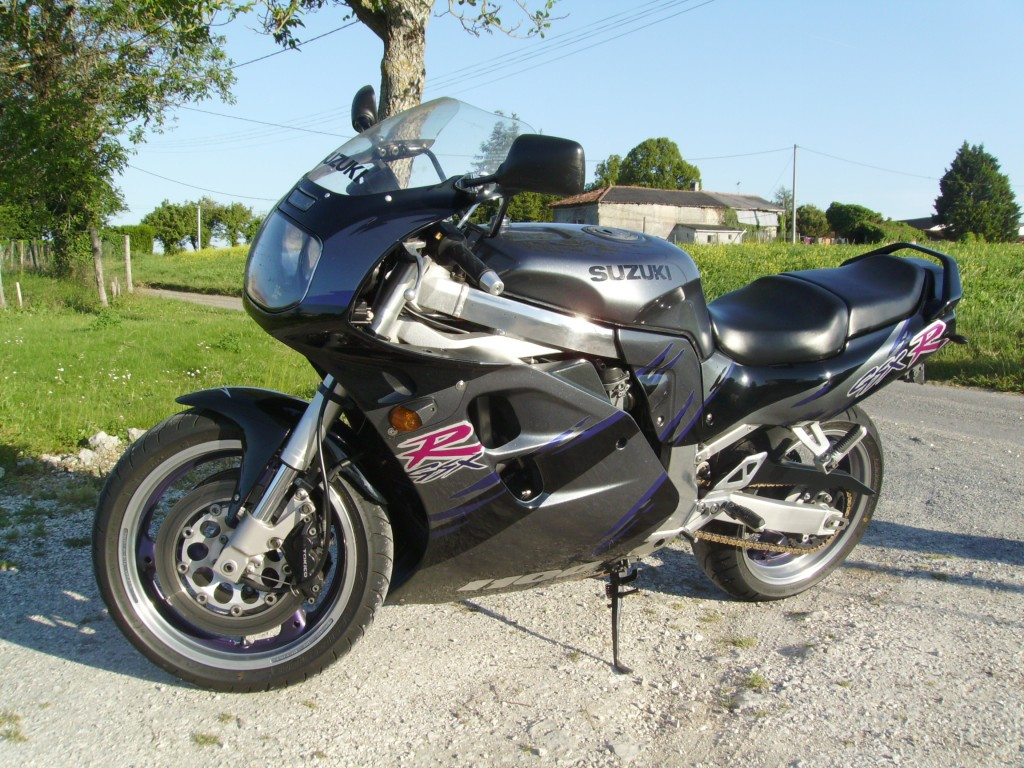 1994 suzuki gsx r 1100 pics specs and information. Black Bedroom Furniture Sets. Home Design Ideas