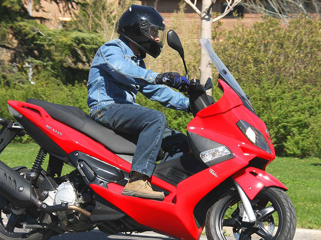 2007 gilera nexus 125 pics specs and information. Black Bedroom Furniture Sets. Home Design Ideas